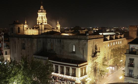 Iglesia de la Anunciación, uno de los edificios más relevantes de la Universidad de Sevilla.  Foto: JUAN CARLOS VÁZQUEZ
