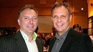El ex árbitro Luis Medina Cantalejo y el entrenador de fútbol Joaquín Caparrós.  Foto: Victoria Ramírez