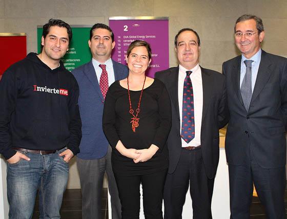 Víctor Martínez (InvierteMe), Alejandro Bocarando (Club Lautaro Emprendedores), María Bocarando (Cobre Las Cruces), Manuel Venegas (Factor Consultores) y Antonio Fragero (Ápice Asesores).   Foto: Victoria Ramírez