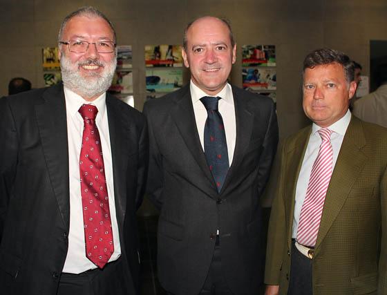 Antonio Barba (Detea), con Jesús Platero y Juan Vázquez, de Alterna.  Foto: Victoria Ramírez