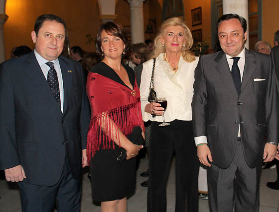 Carlos Montesa Kaijse, cónsul honorario de Suecia, la abogada Mónica Cauzo, Blanca Mezquita y Florencio Baltasar, director territorial de Andalucía de Eos Risq.   Foto: Victoria Ramírez