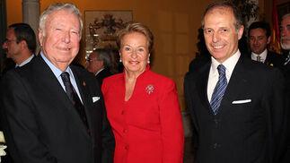 José Luis García Palacios, presidente de Caja Rural del Sur, Pilar Álvarez y Pietro Moncada Pterò-Castello (IPTS, Unión Europea).  Foto: Victoria Ramírez