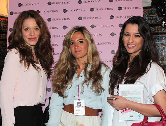 Miriam Llorca (Glossy Box), la diseñadora Mercedes Sanz y la bloguera Gema Sanz.  Foto: Victoria Ramírez