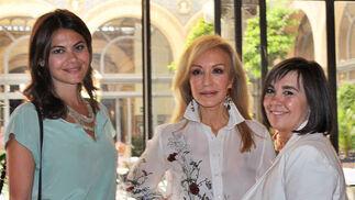 María José Suárez, Carmen Lomana y Charo Izquierdo, directora de la revista Grazia, ponentes en 'Woguers'.  Foto: Victoria Ramírez