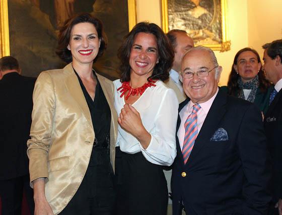 Cristina Ybarra, Clara Zamora y Tony Benítez.  Foto: Victoria Ramírez