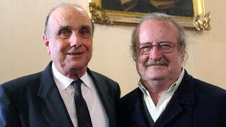 Los académicos y catedráticos de la Hispalense Manuel Zamora Carranza y Ramón María Serrera Contreras.  Foto: Victoria Ramírez