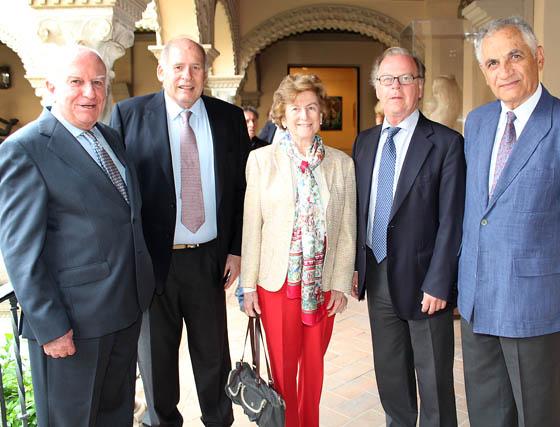 Carlos Oriol, marqués de Méritos; Álvaro Villagran, Victoria Medina, Eduardo Ybarra y el catedrático y académico Ramón Queiro.  Foto: Victoria Ramírez