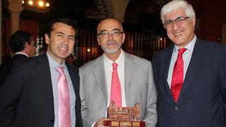 Juan Román (Cobre Las Cruces), Luis Valdivieso, profesor en todos los masteres del Instituto, y  José Ramón Bécares (Dopp Consultores)  Foto: Victoria Ramírez