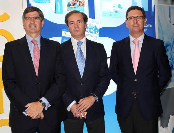 Patricio Cisneros (director general), Antonio Pérez Ostos (secretario del Consejo Rector) y Ángel Escribano (diorector de la División Comercial), de Cecofar.  Foto: Victoria Ramírez