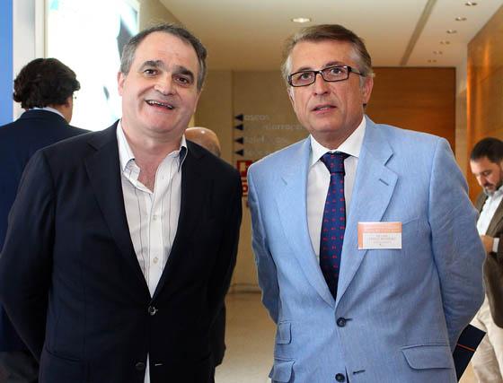 El  presidente del Consejo Andaluz de Colegios de Farmacéuticos, Antonio Mingorance, y Felipe Trigo, presidente del Colegio de Farmacéuticos de Cádiz.  Foto: Victoria Ramírez