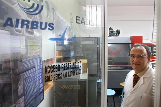 Mariano Marcos, investigador principal del grupo de Ingeniería y Tecnología de Materiales y Fabricación de la Universidad de Cádiz, colabora desde hace 13 años con EADS.