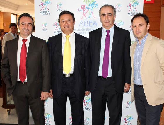 David Aguilera (Cartuja Inmobiliaria), Francisco Fernández, consejero delegado de Grupo San José, y Ramón Gómez y Juan Manuel Heredia, de Cartuja Inmobiliaria.  Foto: Victoria Ramírez
