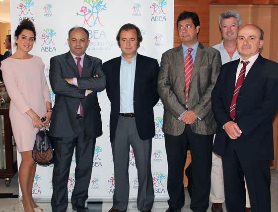 Macarena Sánchez (Ceres), José Luis Fernández, jefe de prensa de José Bono, y Manuel Estévez (gerente), Emilio Gómez, Pedro Garrido y Eduardo Pimentel, de Grupo Ceres.  Foto: Victoria Ramírez