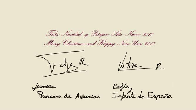 Dorso de la tarjeta, firmada por los reyes, la princesa de Asturias y la infanta Sofía.